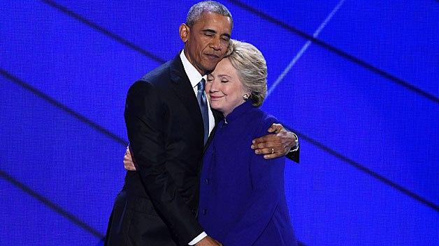 Abrazo fraterno de Obama